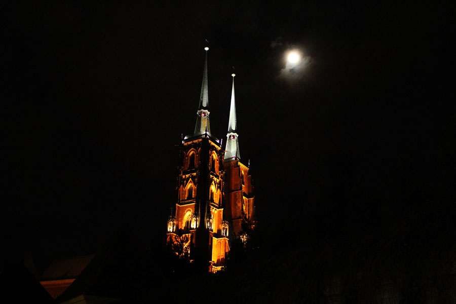 Wroclaw's church at night.