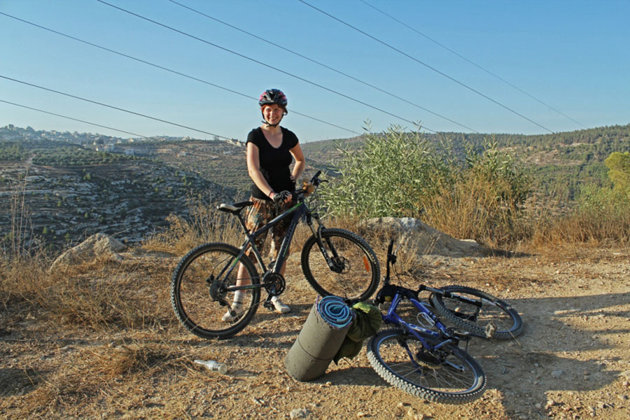 mountainbiking adventure through the middle east