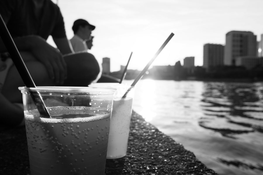 Enjoying a sundowner at Frankfurt's riverbank