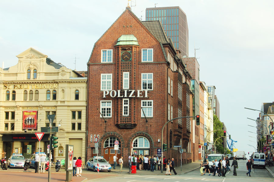 "Famous in whole Germany: Hamburg's police station ""Davidswache"""