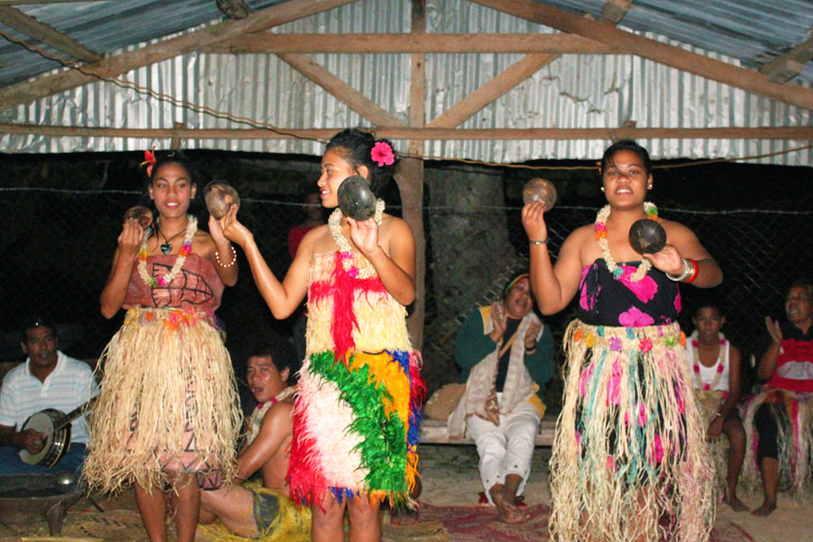 A traditional Tongan performance.