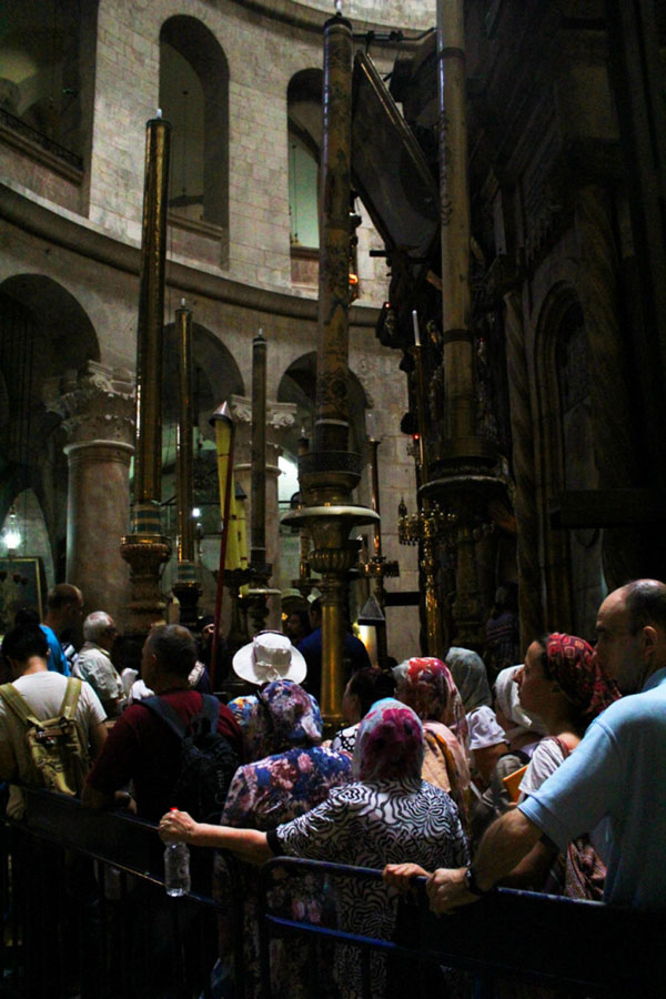 Queue in the church of the Holy Sepulchre