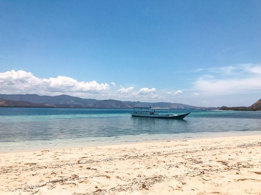 17 islands in Riung